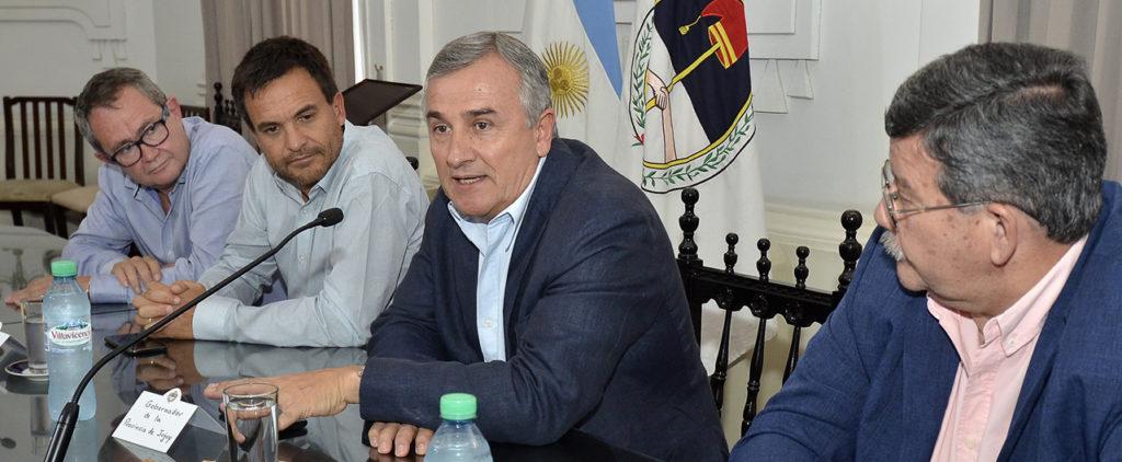 En el Salón Blanco, el gobernador Gerardo Morales expone los resultados de las gestiones cumplidas en Abu Dhabi y Madrid.